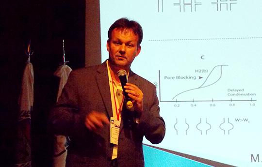 Dr. Matthias Thommes